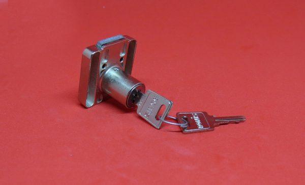 RONIS 4500-01, Holzmöbelschloss, Möbelschloss, Holztürschloss, Aufschraubschloss, Hebel, Schlüssel, Anbauteile